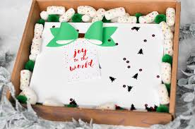 fedex thanksgiving diy holiday confetti packing peanuts and free matching printable