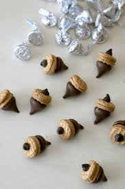 acorn treat recipe with nutter butters and hersheys