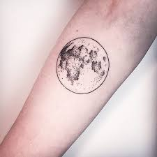9 best moon tattoos for images on moon