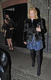 elizabeth banks leaves chiltern fire house hawtcelebs hawtcelebs