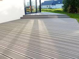 photo terrasse composite terrasse composite avec marche zimerfrei com u003d idées de design