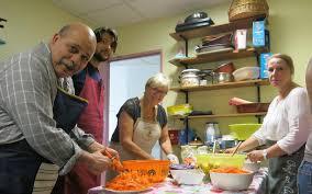 apprendre cuisine crépy en valois des ateliers de cuisine pour échanger et
