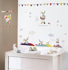 toise chambre bébé innovant stickers muraux bebe vue jardin a sticker toise chouettes