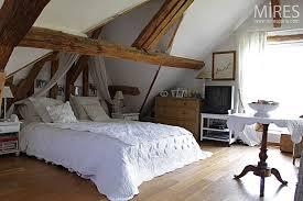 chambres sous combles chambre sous comble maison normande chambre sous les