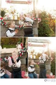 san diego renee hindman photographer christmas tree booth love it