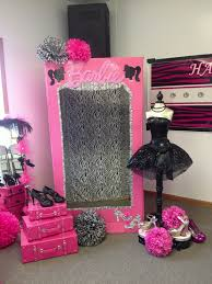 Best 25 Barbie Birthday Party by Best 25 Barbie Party Decorations Ideas On Pinterest Party Table