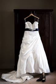 where can i sell my wedding dress oms where to sell your wedding dress cheeky flash wedding