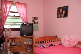 Girls Bedroom Accent Wall Pink Bedroom Accent Wall Purple Bookcase On The Wall Drawer Desk