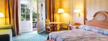 chambre hotel disney disneyland hôtel sur hôtel à