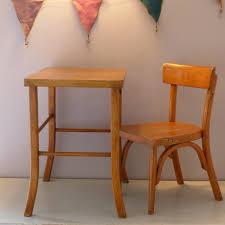 petit bureau pour enfant chaise d enfant estillée baumann et petit bureau des ées