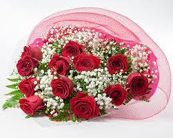 dozen of roses dozen roses bouquet flowers