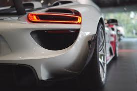 Porsche 918 Back - one on one time with build 000 of the 918 spyder zen garage
