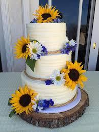 sunflower wedding ideas wedding cakes with sunflowers sunflower wedding cakes interesting