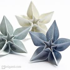 Making Flowers Out Of Tissue Paper For Kids - 15 pretty flower crafts for kids of every age origami flowers
