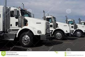 truck hub kenworth trucks 2015 kenworth t800 trucks editorial image image 45981010
