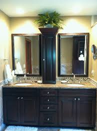 Bathroom Tile Border Ideas by Love The Combination Of The Granite Counter Top With Travertine