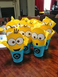 minions centerpieces diy minions table centerpieces is it for is it free