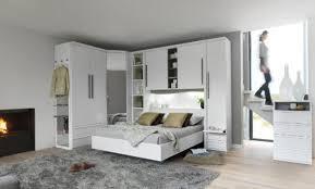 chambre a coucher avec pont de lit chambre a coucher avec pont de lit top armoire portes city laque