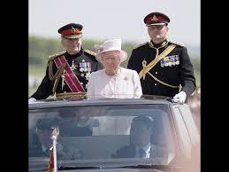 Queen Elizabeth Donald Trump Photoshop Donald Trump And Queen Elizabeth Face Swap Youtube
