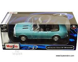 1967 camaro diecast 1967 chevy camaro ss 396 convertible 31684tq 1 18 scale maisto
