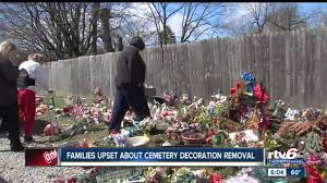 Cemetery Christmas Decorations Families Upset After Muncie Cemetery Removes Decorations From