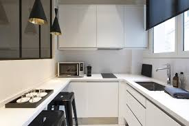 decorer cuisine toute blanche cuisine equipee design cuisine moderne 2016 en bois