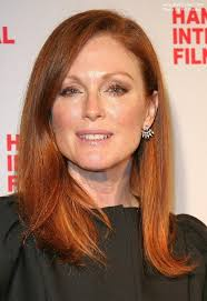 julie ann moore s hair color julianne moore s signature hair color crimson colored hair