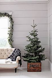 Decorative Christmas Tree Small by Best 25 Small Artificial Christmas Trees Ideas On Pinterest