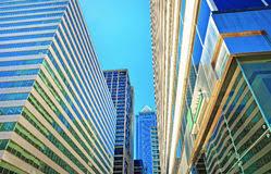 imagenes de bottom up la opinión de bottom up sobre rascacielos reflejó en vidrio en