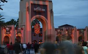 universal orlando close up halloween horror nights 25 is now