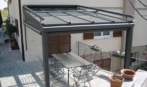 tettoie in legno e vetro come realizzare verande pergolati e tettoie per vivere gli spazi