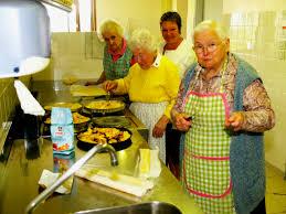 cuisiner pour une personne cuisiner pour 20 personnes recette de pa lla elvira la recette