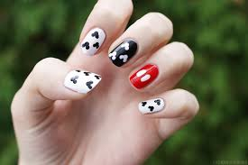 lipstick lacquer nail of the day mickey mani