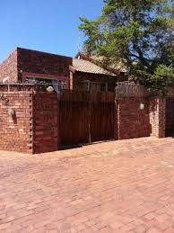 3 bedroom 2 bathroom townhouse with loft to rent weltevredenpark