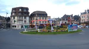 chambres d hotes trouville great location alpha one across the bridge from deauville photo