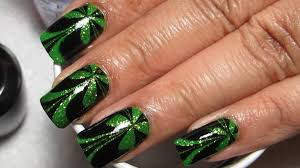 sparkly green and black st patrick u0027s day water marble nail art