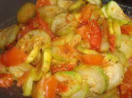 cuisiner des courgettes à la poele poêlée courgettes tomates par pitchoune la ronde des goûts