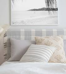 Big White Bed Pillows How To Mix Decorative Pillows 20 Guaranteed To Look Good