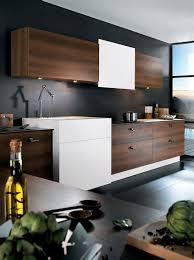 cuisine blanc et noyer awesome cuisine blanc laque plan travail bois 13 cuisine m100h