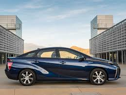 toyota fast car toyota u0027s new hydrogen powered car has a record setting range