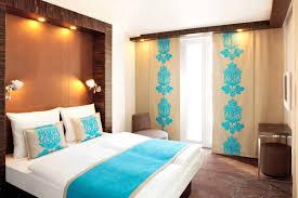 Schlafzimmer Braunes Bett Ideen Wandgestaltung Wohnzimmer Braun Rheumri Com Wohnzimmer