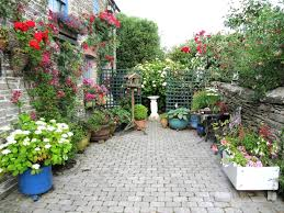landscaping ideas for small city yards the garden inspirations
