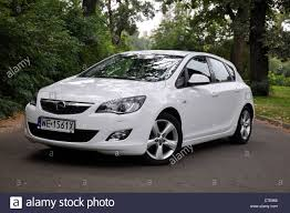 opel white opel astra iv 1 4 turbo my 2009 white german compact car