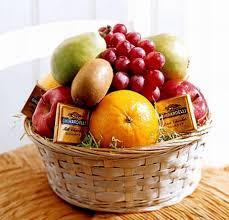 send fruit poland fruit baskets hers polandgifts send gifts