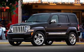 2012 jeep liberty sport suv 2012 jeep liberty photo gallery motor trend