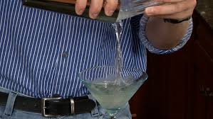 martini grasshopper vodka drinks u2013 how to make a vodka grasshopper u2013 monkeysee videos