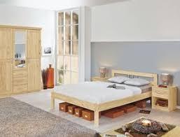preiswerte schlafzimmer komplett schlafzimmer aus massivholz günstig kaufen betten de