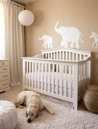 chambre bebe beige décoration chambre bébé en 30 idées créatives pour les murs bb