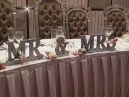 Mr And Mrs Wedding Signs Mr And Mrs Table Sign Wedding Ideas Pinterest Brudar Och