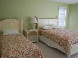 Nascar Bedroom Furniture by Great Sept U0026 Oct Weekend Getaways Homeaway Tower Shores